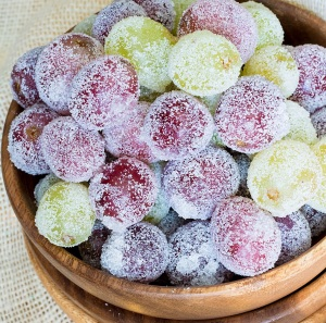 Sugared-Grapes-from-This-Silly-Girls-Kitchen-main